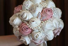 Pink and Ivory Satin Handbouquet by HelloSpringfleur