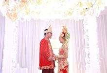 The Wedding Of Tia And Adi by Seserahan by Rose Arbor