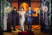 Grand Copthorne Waterfront Hotel Wedding by GrizzyPix Photography