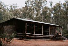 Nanga Bush Camp  Dwellingup Wedding  Lauren & Jorgen by Amy Skinner Photography