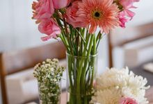 Table Decoration - A Touch Of Pink by Wonder Wheel Project