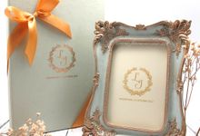 Frame Fiber inlcude Personalised Box by Fine Souvenir