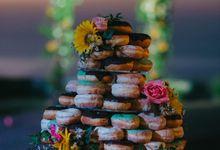 Rustic Wedding Doughnut by Sugaria cake