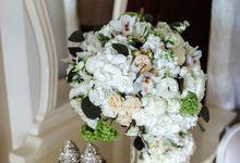 White Dream by FlowerEmpire.sg