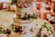 The Wedding Cake Of Catherine & Caleb by Moia Cake