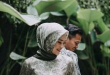 Engagement of Feby & Willy by Paraviver Photography