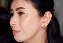 Mom of the Groom by Fenty Senjaya Makeup Artist
