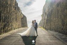 Ferry Jovie Pre-Wedding | By The Beach by Ducosky