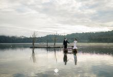 Ferry Jovie Pre-Wedding | In The Mist by Ducosky