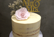 Floral Wedding Cakes by FrostyLicious Cakes