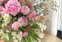 Floral statement - Centrepieces  by D'Alexandra Flowers