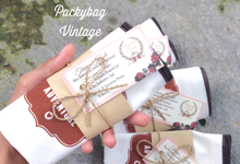 Nawang & Garfi Wedding  by Packy Bag Vintage
