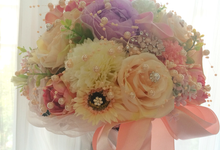 Artificial Handbouquet by Ste Florist