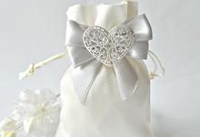 Wedding favor bags by Jasmine wedding prints
