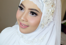 Beautiful In White Merlina by jrmakeup_bali