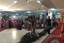 Sari & ferdy by melwin wedding