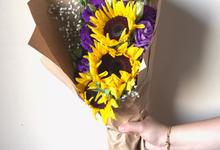 Hand Bouquet  by The Petals Shop