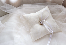 Ring pillow by La Peonia