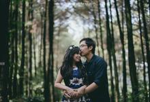 Delvin & Rieska Prewedding by Chroma Pictures