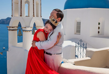 Santorini Pre Wedding Photo shoot by George Chalkiadakis Pro Art Photography