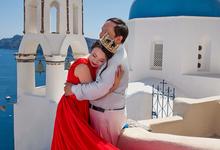 Santorini Pre Wedding Photo shoot by George Chalkiadakis Pro Art Photography