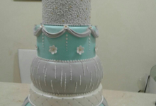 Hemmy Leony Wedding  by Giovani Patisserie