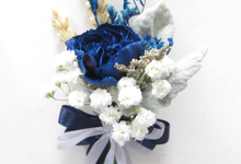 Blue frozen bouquet  by Royal Petals
