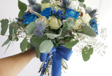 The royal rustic blue by Royal Petals