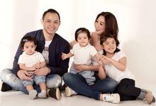 Arina & Tiko Family Portrait by Oktomoto Photography