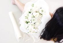 Simply White by Fleur de Lis