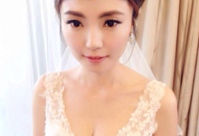 Bridal makeup and hairstyling  Actual day  by VIVI PROFESSIONAL BRIDAL MAKEUP