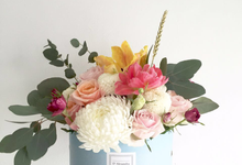 Bleu Signature Hat Box  by D'Alexandra Flowers