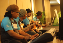 Middle acoustic  by HEAVEN ENTERTAINMENT