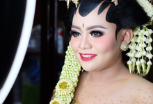Wedding of Riezka by Moza Make Up & Wedding Gallery