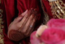 The adorable henna on your wedding day  by 12 Zudi Professional Henna Art