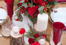 Winter Berries by Bonum Factum Wedding Studio