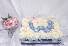 Blooming Box by La Fleuriste Clara