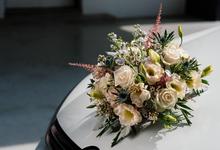 Bridal car engagement photoshoot  by Liz Florals