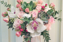 Olivia's bouquet  by Royal Petals