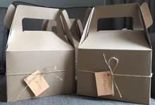 Dinda Ilham's Bridesmaids & Groomsmen Packaging by Palestro Wedding Essentials