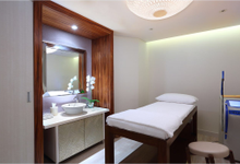 Consultation & Treatment room by Vietura Artisan of Anti Aging