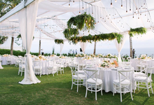 Stunning clifftop wedding by Butter Bali