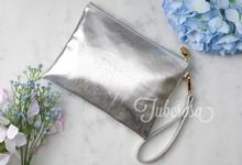 Gadget Pouch (wrist pouch) by Tuberosa Souvenir