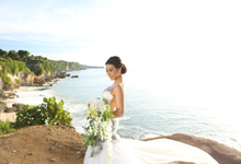 Windia Wijaya's Exotic Floral  Bridal  Collection by windia wijaya
