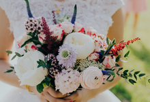 Sweet and romantic bridal bouquet  by Floral Paradise
