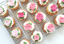 Floral cupcakes by The Rosette Co