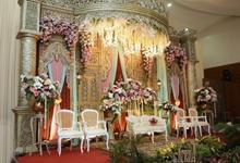 Pelaminan Gebyok  by Kresna Decoration