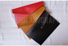 Custom premium pouch by Gemilang Craft