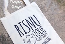 Travel Souvenir // Risnu Tour & Travel by Packy Bag Vintage