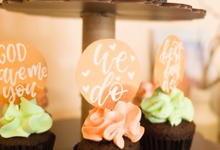 Cupcake's toppers by La Vie Calligraphy